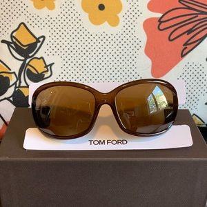 "Tom Ford ""JENNIFER"" polarizes sunglasses"
